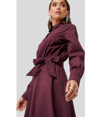 na-kd trend tied waist shirt dress - red