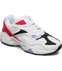 aztrek 96 låga sneakers vit reebok classics