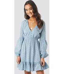 na-kd boho anglaise balloon sleeve dress - blue
