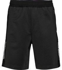 tech tape pibble shorts casual svart mads nørgaard