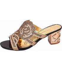 slippers in cuoio traforato floreale con strass