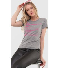 camiseta coca-cola jeans choose happiness cinza/rosa - kanui