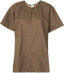 lee mathews blusa mangas curtas de algodão - marrom