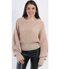 sweater corta oversize cafe night concept