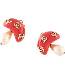 chanel pre-owned cc mushroom motif earrings - red