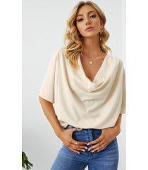 blusa drapeada de media manga caída