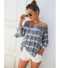 blusa de rayas grises fuera del hombro
