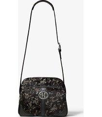 mk borsa da viaggio monogramme in pelle effetto cavallino stampa camouflage - ardesia (grigio) - michael kors