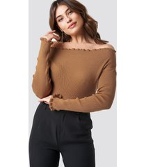 na-kd knitted frill off shoulder sweater - beige
