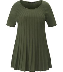 trui ronde hals en korte raglanmouwen van emilia lay groen