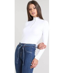 blusa feminina canelada com zíper de argola manga longa gola alta off white