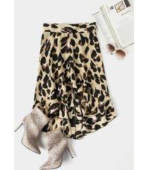 falda de cintura media con volantes de leopardo caqui