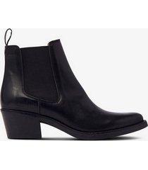 boots low elastic