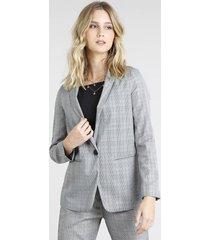 blazer feminino longo estampado xadrez cinza
