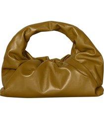 the shoulder pouch