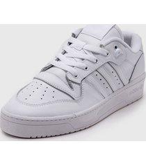zapatilla blanca adidas originals rivalry low.