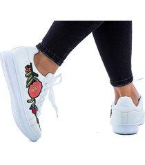 tenis blancos para dama diseño de lateral a punta de flores