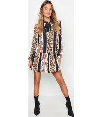 gesmokte jurk met streep met luipaardprint en strik, zwart