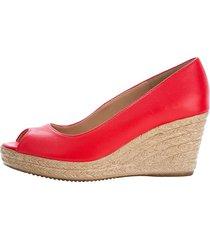 skor med kilklack klingel röd