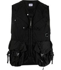 c.p. company cargo-pocket zip-up gilet - black