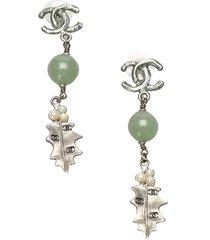 chanel cc leaf drop earrings silver, green sz: