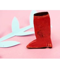 broszka red boot