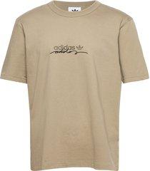d tee t-shirts short-sleeved beige adidas originals