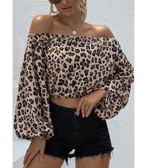 camicetta da donna a maniche lunghe con spalle scoperte e stampa floreale leopardata