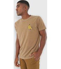 camiseta osklen bananas caramelo