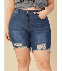 plus botón de bolsillos laterales rasgados al azar tamaño diseño shorts de mezclilla