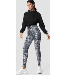na-kd snake print leggings - multicolor