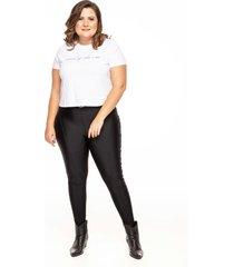 calça linny plus size skinny power com recortes preta
