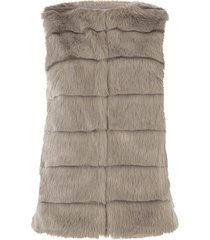 ribbed faux fur gilet