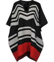 that's it! capes & ponchos