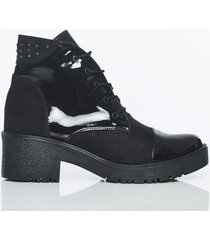 botas negro charol con noubuck
