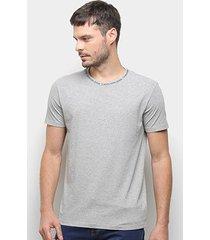 camiseta calvin klein logo gola masculina - masculino