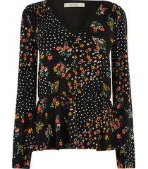 blouse met knopen en bloemen
