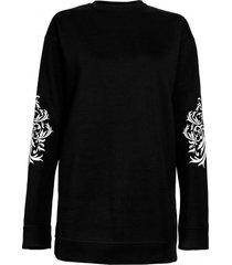 bluza czarna z wzorem na rękawach