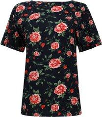 camiseta flores con hojas