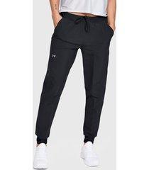 pantalón de buzo under armour negro - calce regular