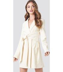 na-kd classic tied front blazer dress - white