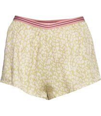 blush shorts grön love stories