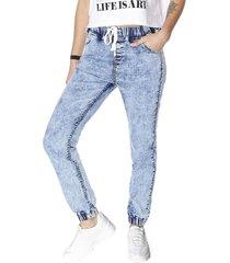 jeans jogger básico azul claro corona