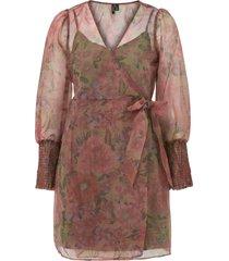omlottklänning vmabelia l/s wrap dress