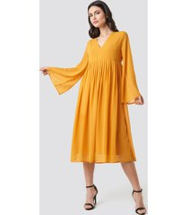 na-kd boho wide sleeve flowy chiffon dress - yellow