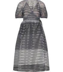 adalaine knälång klänning grå baum und pferdgarten