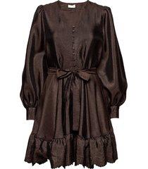 farrow, 699 textured polyester korte jurk bruin stine goya