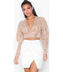 nly one sequin crop top toppar