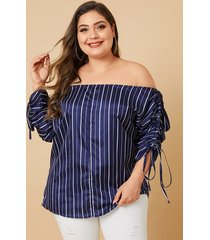 blusa de hombros descubiertos de talla grande con diseño a rayas fuera del hombro