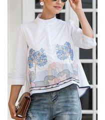 camicetta casual da donna con colletto alla coreana ricamato con piante di pesce calico